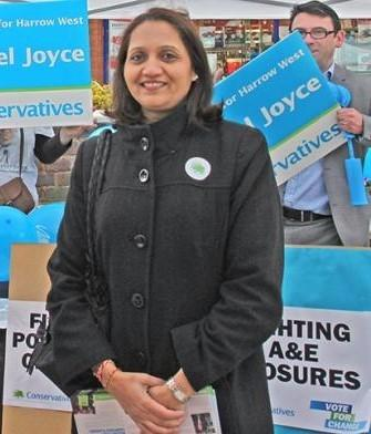 Cllr Anjana Patel campaigning during a previous election (Photo: Husain Akhtar)