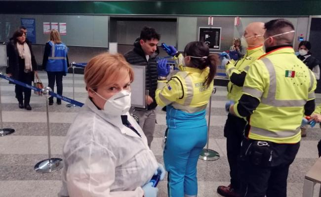 Face masks are selling out in Watford pharmacies (Photo: Dipartimento Proteione Civile, Italy)