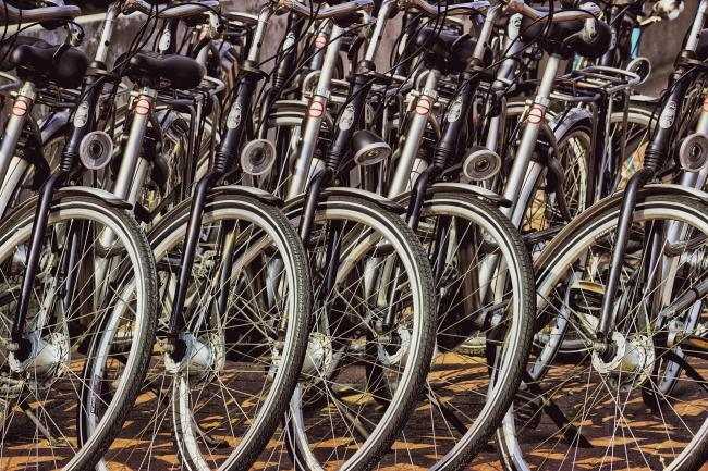 Uk Government Urges More Cycling And Walking To Maintain Social