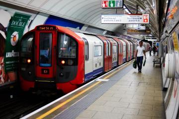 Driverless trains would cost £7 billion, TfL report reveals