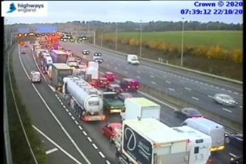 M25 traffic delays in Hertfordshire and Essex