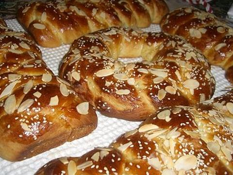 Harrow Times: Tsoureki sweet yeast bread