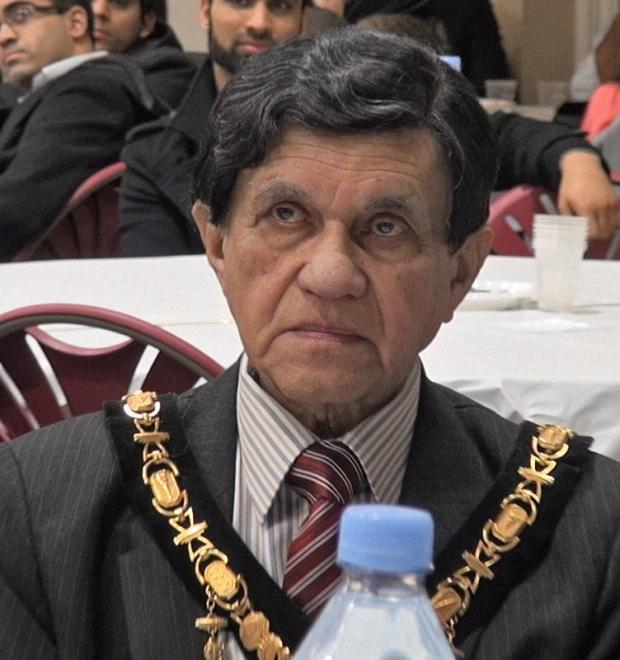 Photo by Cllr Husain Akhtar: Harrow Mayor, Cllr Nizam Ismail, attended the dinner