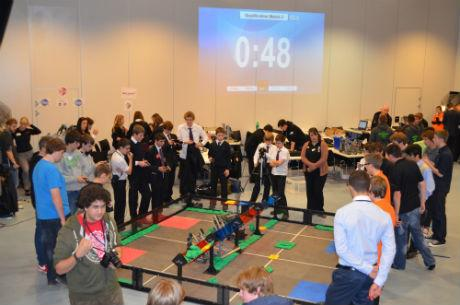 School hosts robotics competition