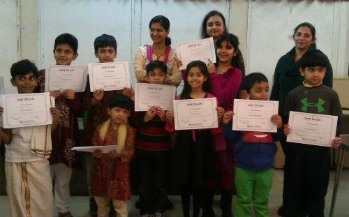 The children who participated in the mother tongue competition all received certificates