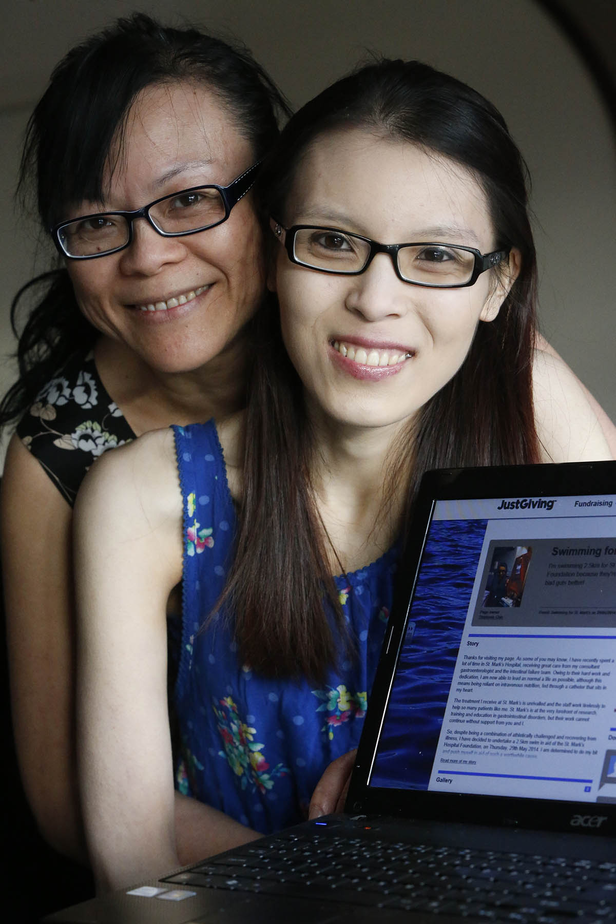 Stephanie Chin, (R) with her mother May (L)