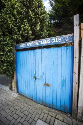 Community comes together to try and save tennis club