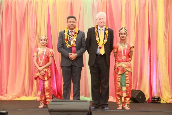 Mayor joins in with temple celebration