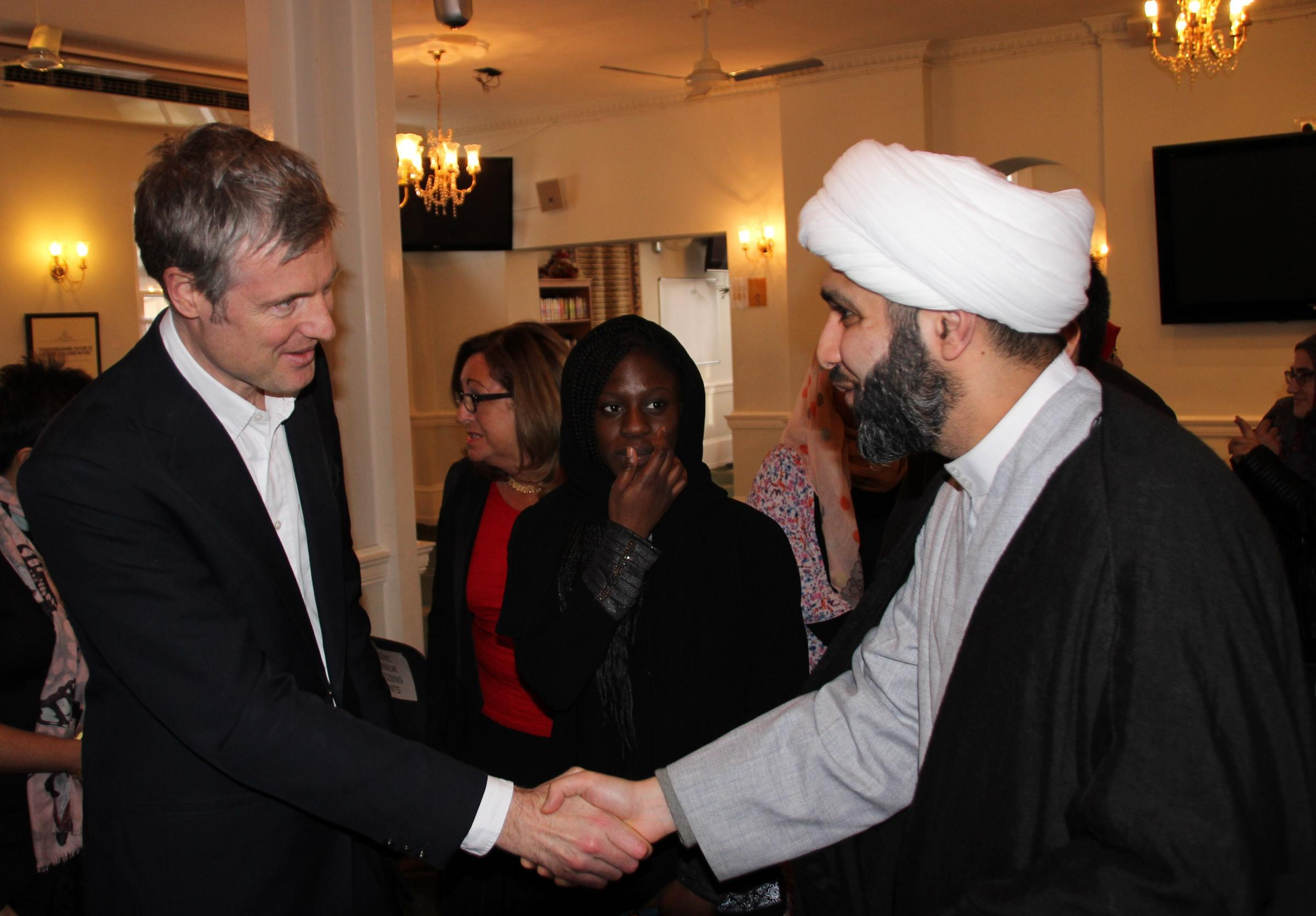 London Mayoral candidate Zac Goldsmith joined Stanmore residents and interfaith leaders at the KSIMC Islamic Centre