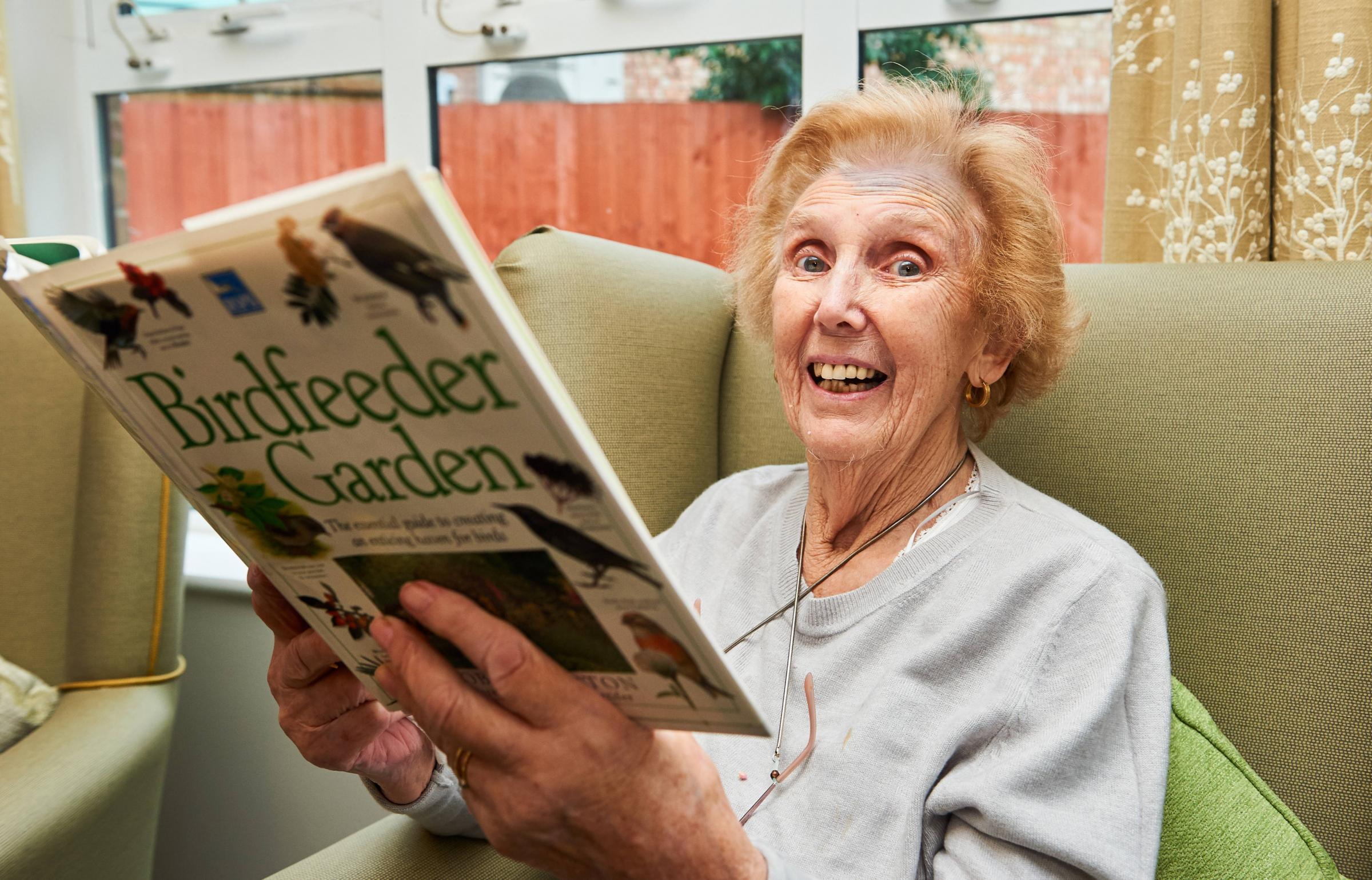 West Drayton care home residents flock together for birdwatch
